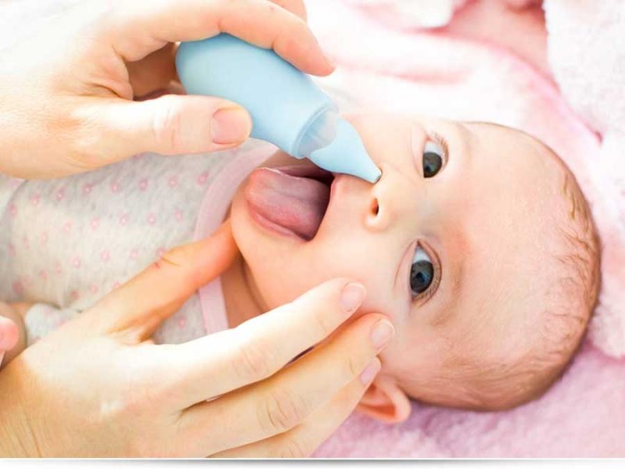 Чем лечить сопли у новорожденного?