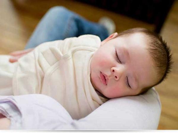 До какого возраста нужно пеленать ребенка?