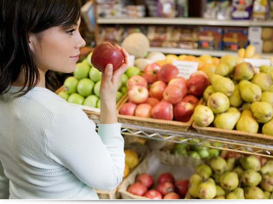Какие фрукты можно кушать кормящей маме?