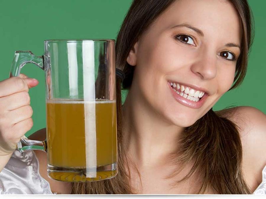 Можно ли кормящей маме безалкогольное пиво?
