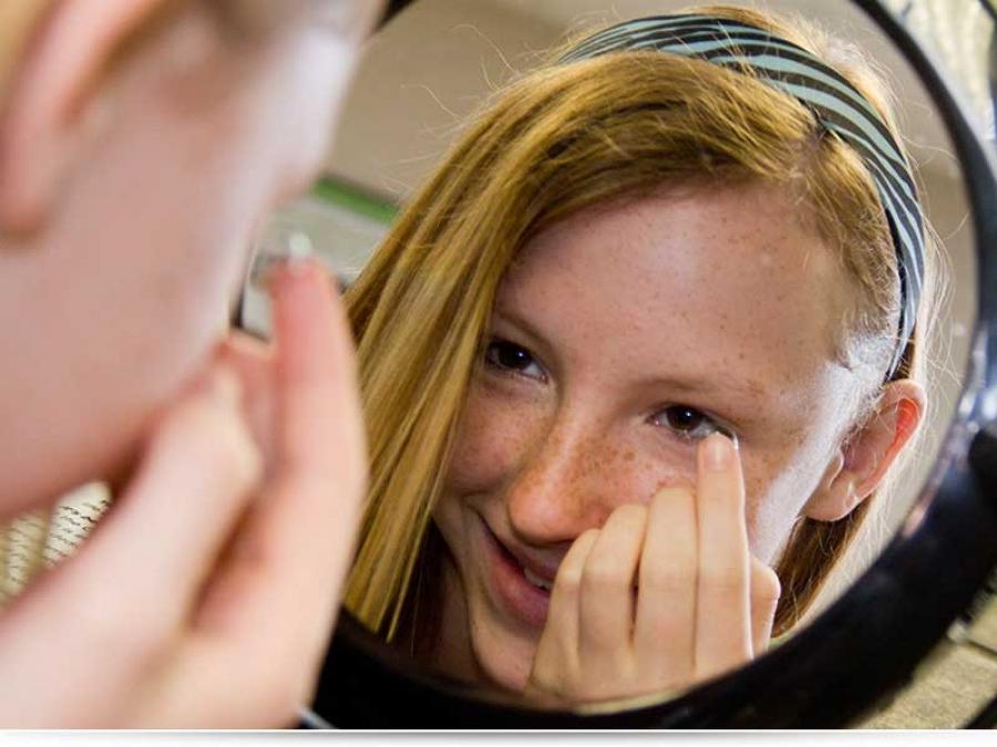 С какого возраста можно носить контактные линзы