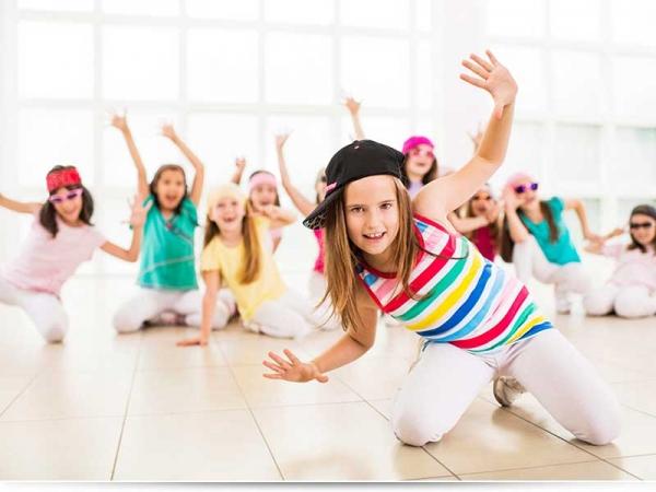 С какого возраста отдавать ребенка на танцы?