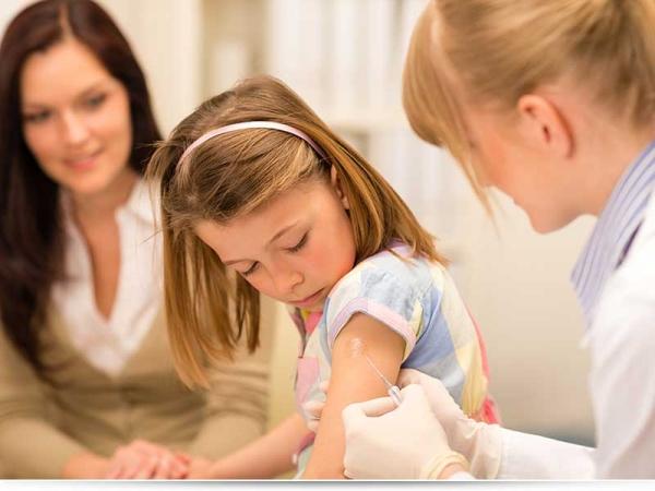 У ребенка после прививки болит рука