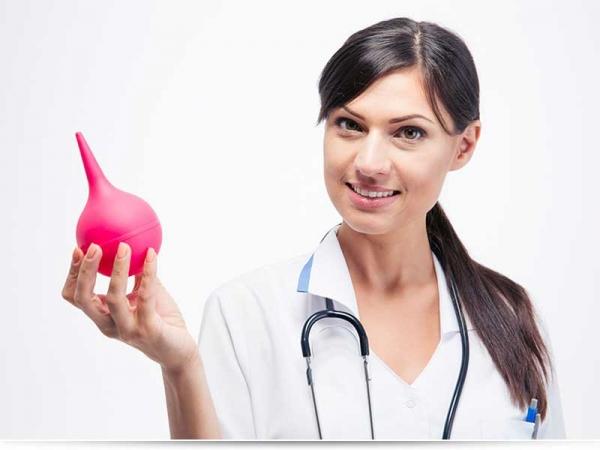 Можно ли беременным делать клизму при запоре?